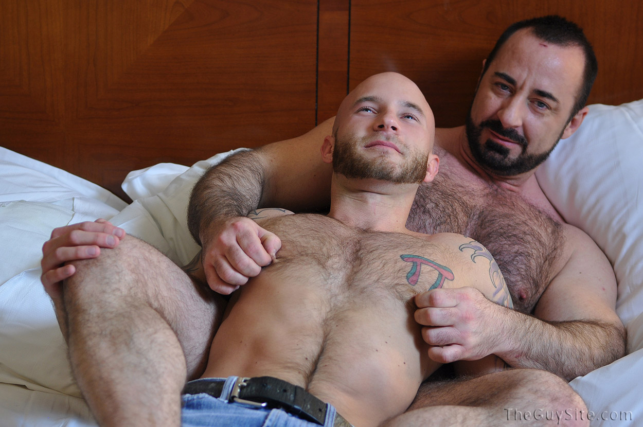 Hairy gay man video clip