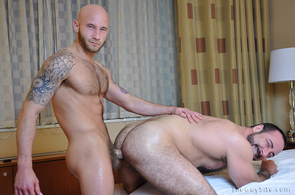 Gay Muscle Bears Fuck